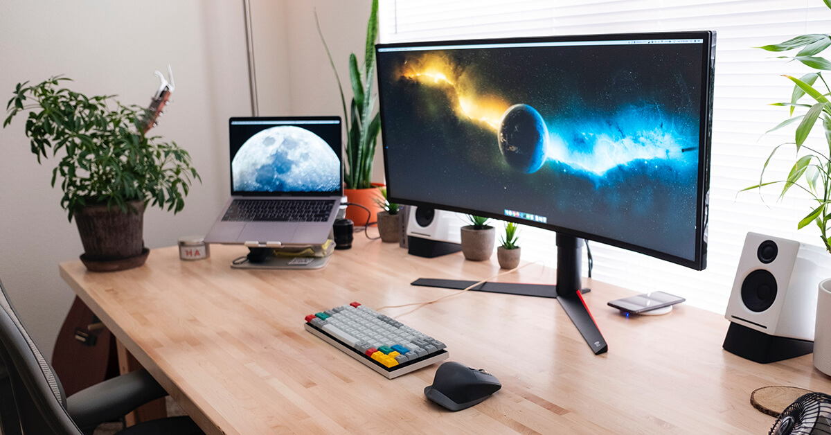 curved monitor for macbook